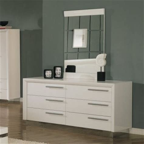Modern Bedroom Dressers And Chests Carmell 6 Drawer Dresser White Modern Dressers By