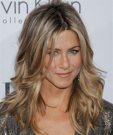 caramel hair color gray coverage εμπνεύσου από τα hairstyles της jennifer aniston fashion