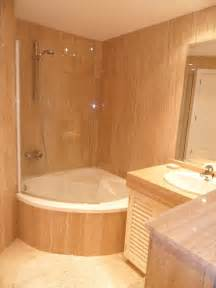 Corner Tub Bathroom Ideas by Corner Tub With Shower And Glass Half Door