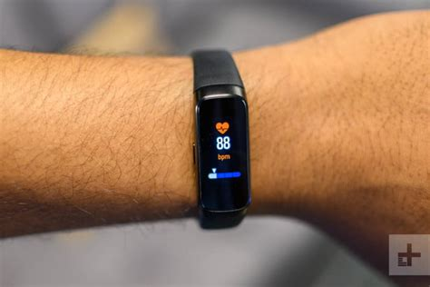 samsung galaxy fit samsung galaxy fit review a 99 fitness tracker digital trends