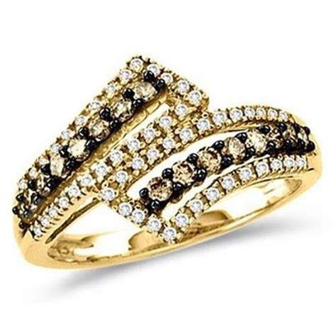 beautiful gold rings for