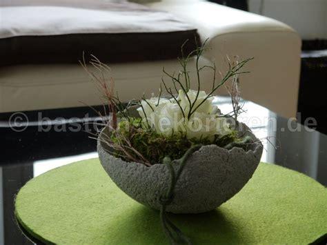 Betonschale Selber Machen by Betonschale Mit Blumen Dekoriert Basteln Und Dekorieren