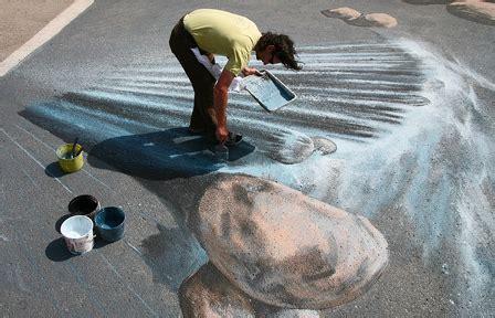 amazing  graffiti artists sidewalk chalk street