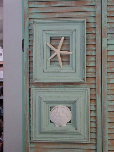 decor picture frame upcycle repurpose crafts home decor 47 epic ways to repurpose old picture frames at home