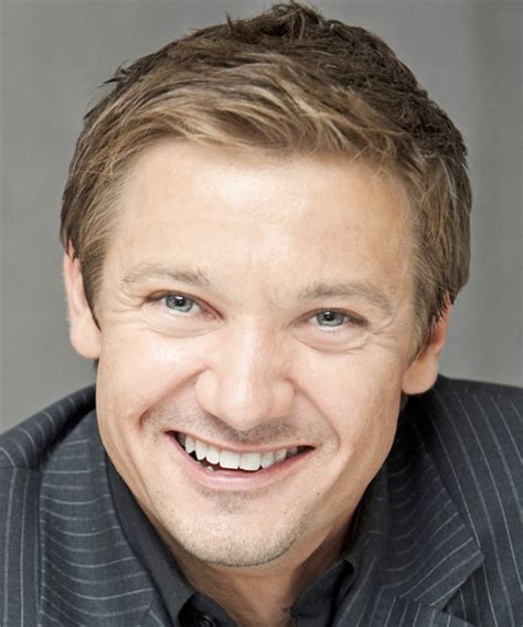 jeremy renner hairstyle jeremy renner short straight formal hairstyle