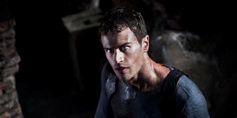 sinopsis film underworld next generation theo james drops out of underworld sequel next generation
