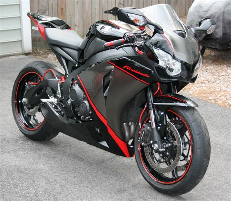 Honda Cbr1000rr Custom reviews, prices, ratings with various photos
