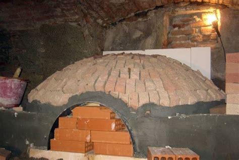 cupola per forno a legna costruire un forno a legna accessori da esterno come