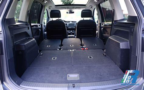 interni touran prova volkswagen touran spazio e comfort per 7 posti