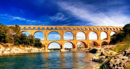 languedoc information   pont du gard south france