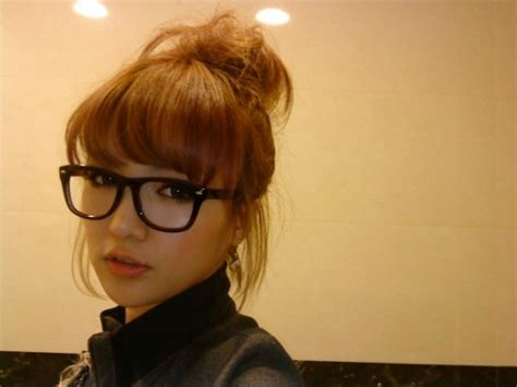 hairstyles with fringes and glasses more glasses w bangs hair pinterest bangs hair