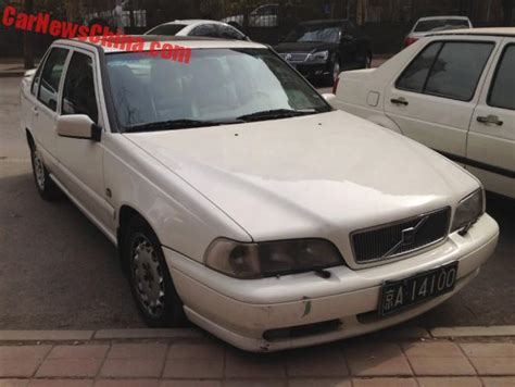 spotted  china volvo   sedan  white carnewschinacom