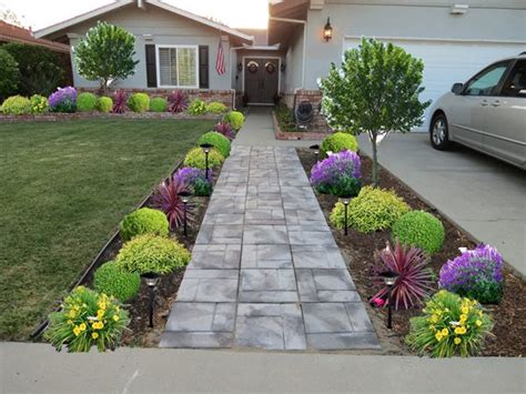 for a low maintenance yet curb appeal 20 modest yet gorgeous front yards front