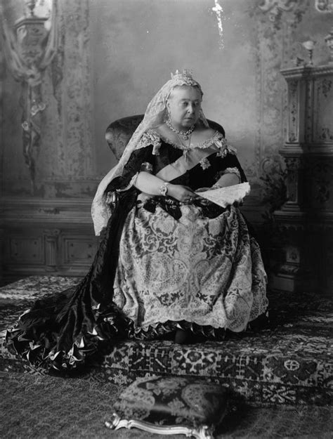 biography queen victoria queen victoria i s detailed biography parents childhood