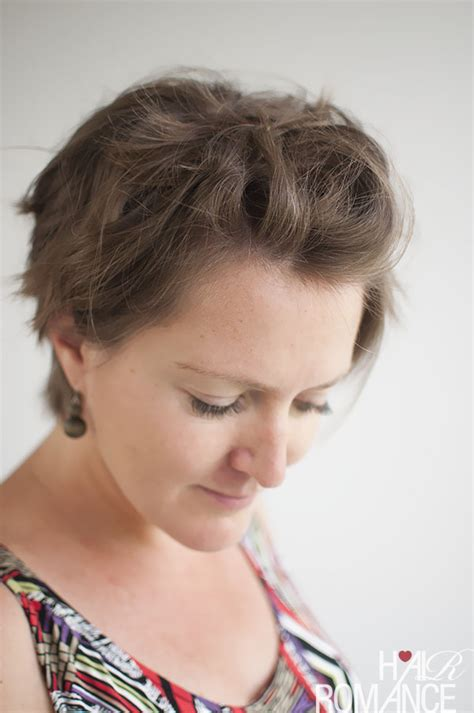 Pinning Back A Pixie | 3 ways to style a pixie cut hair romance