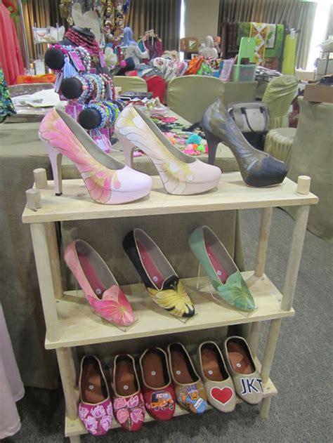 Sepatu Rene Caovilla Nik Flat galeri slightshopslightshop