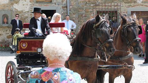 cavalli da carrozza carrozza per matrimoni siena toscana
