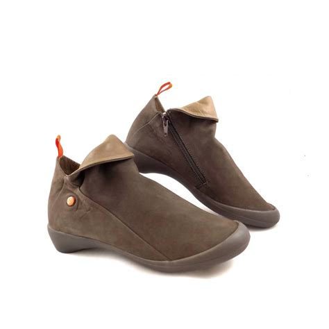 softinos farah soft low heel shoe boots in brown