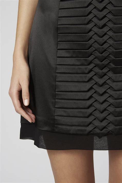 Black Origami Skirt - fabric manipulation black pleated skirt creative sewing