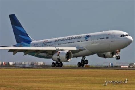 garuda indonesia pesan tiket pesawat garuda indonesia di arus balik di bandara biak meningkat republika online