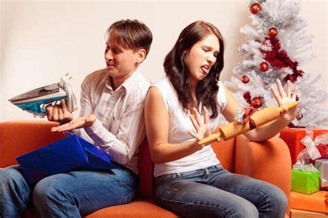 7 awkward pain points for couples exchanging gifts