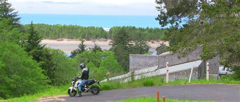 si鑒e l or饌l l oregon coast in sella ad una honda msx 125