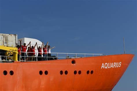 aquarius bateau youtube l aquarius autoris 233 224 accoster 224 malte les migrants