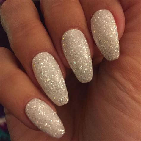 Glitter Nails by 25 Best Ideas About Glitter Nail Designs On