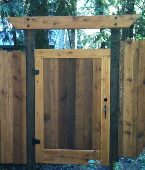 cedar gate by rainymountcraftsman lumberjocks com