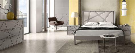 mobili moderni da letto letto da comodini idee