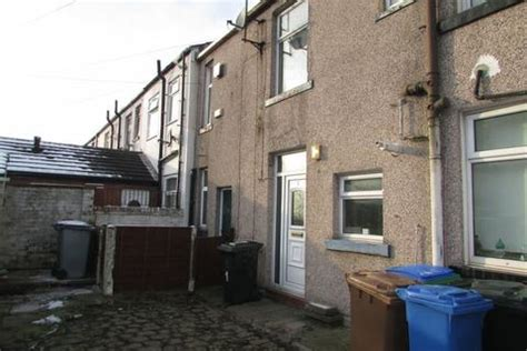 Louise Is Back On The Market by Back Louise Smallbridge 1 Bed Terraced House 163 390