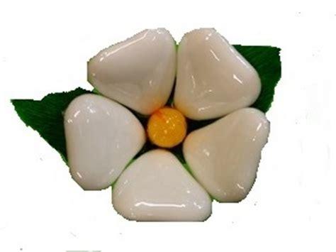 fiori di confetto confetti di sulmona gt fiori di confetto sulmona confetti