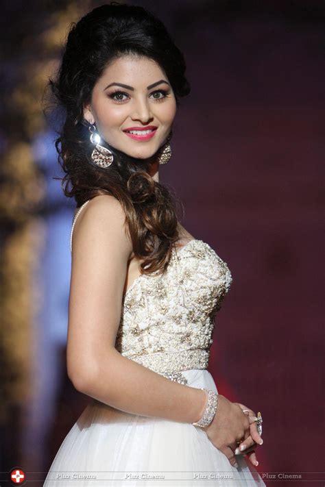 urvashi rautela biography in hindi urvashi rautela hot actress profile hot picture bio