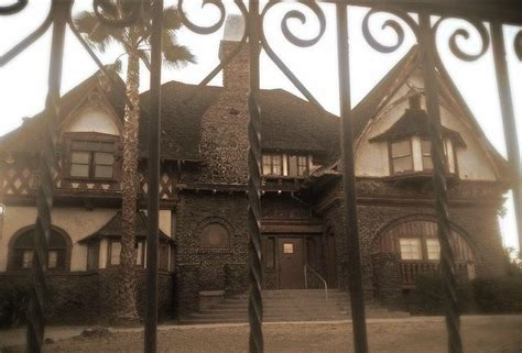 scariest haunted houses in america most haunted house in america the 9 scariest houses