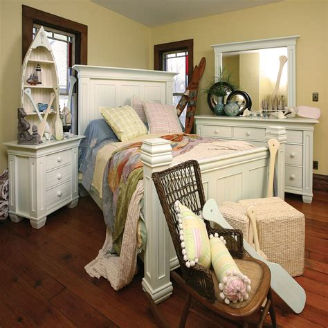 cottage bedroom set coastal cottage bedroom set king dinettes