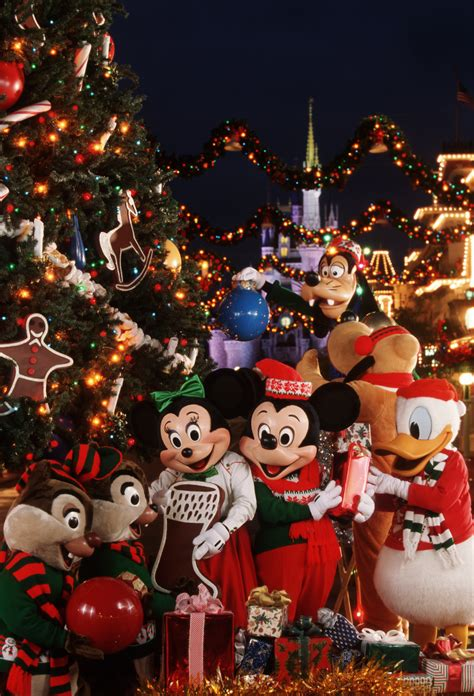christmas at disney world spending the holidays at the