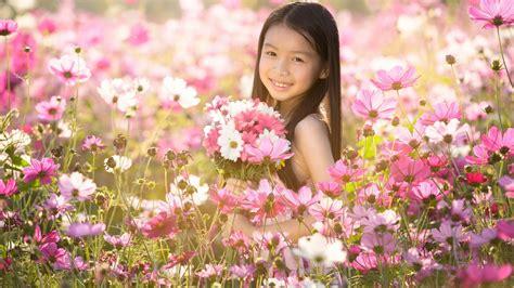 bambini fiori sfondi bambini 47 immagini