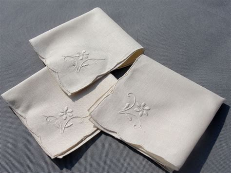 Handmade Napkins - ecru handmade embroidery linen tea napkins traditional