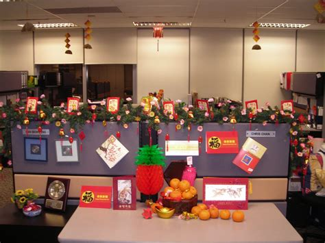office desk christmas decorations creative inspirational work place christmas decorations