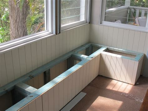 dining room built in bench seating » Dining room decor