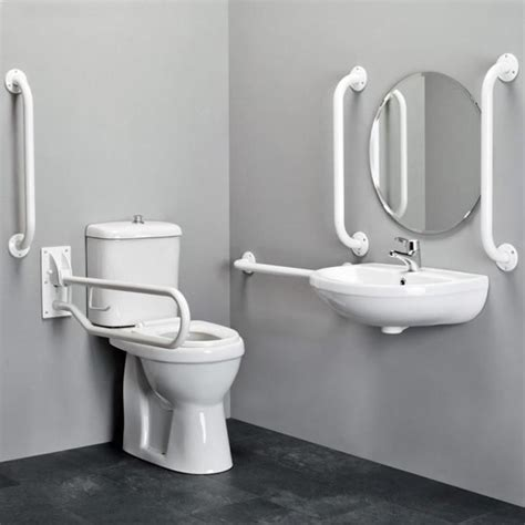 interest free bathrooms b q 1000 ideas sobre ba 241 o para discapacitados en pinterest