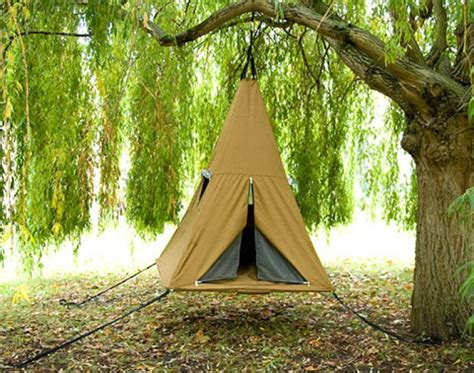 6 suspended tree tents for a lighter than air cing