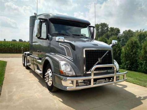 2013 volvo semi truck volvo vnl64t630 2013 sleeper semi trucks