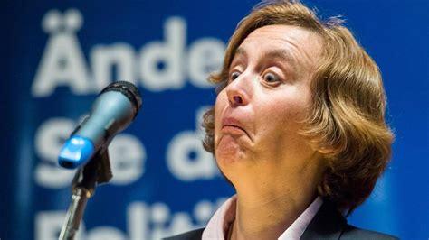 Beatrix Storch Beatrix Storch Ihr Langes Gesicht Wird Zum Netz Hit
