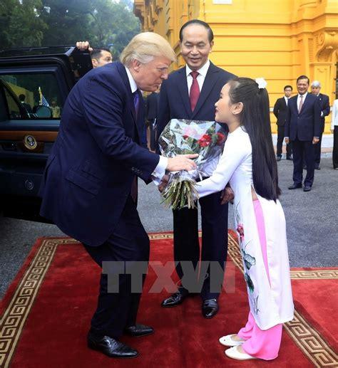donald trump vietnam us president donald trump pays state visit to vietnam