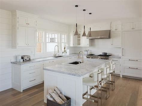 Cottage Kitchen Countertops by Chic White Cottage Kitchen Features White Shaker