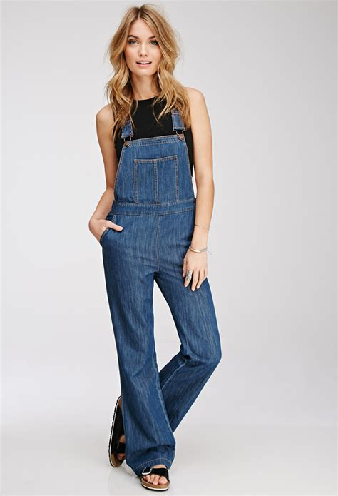 Denim Overalls The Next Big Trend by Kaley Cuoco Steps Into The Wearing Dungarees