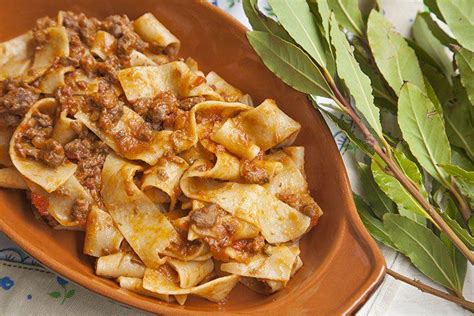 come cucinare la carne di cinghiale al sugo ricetta pappardelle al rag 249 di cinghiale ideericette