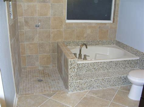 Corner Bathtub Shower Combo Small Bathroom by Small Bathtubs With Shower Door Frameless Gl Roswell