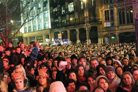 leeds lights switch on leeds lights switch on entertains large crowd